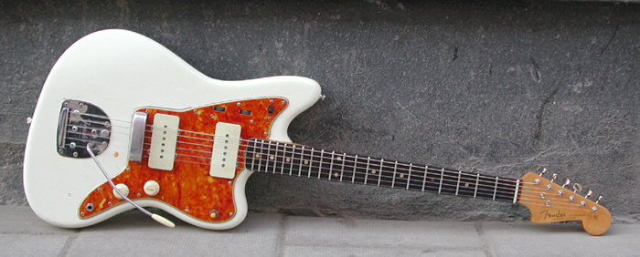 To anyone who's played a Fender Jazzmaster